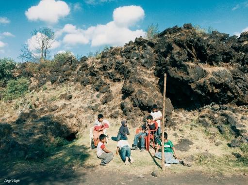 Niños en el Paricutin