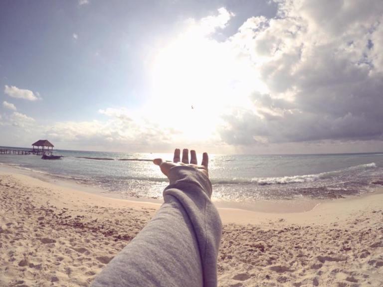 playa sueter.jpg